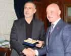 Τον δήμαρχο της Οδησσού δέχτηκε ο Μώραλης στον Πειραιά
