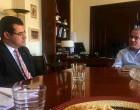 Συνάντηση Π. Σκουρλέτη με τον δήμαρχο Ύδρας, Γ. Κουκουδάκη