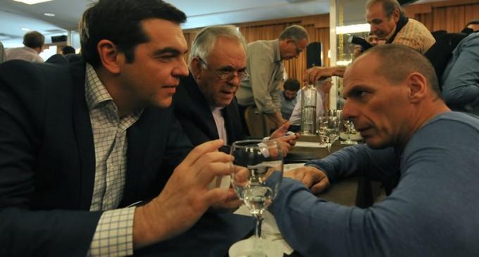 Βαρουφάκης: Ρώτησα τον Τσίπρα «είσαι ηλίθιος;» όταν μου είπε για το «ναι» σε πλεονάσματα 3,5%