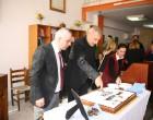 """Ο Δήμαρχος Πειραιά Γ. Μώραλης στην εκδήλωση για την κοπή της πίτας της Ε"""" Δημοτικής Κοινότητας"""