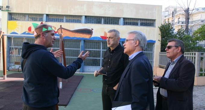 Τα επτά ειδικά σχολεία της πόλης γιόρτασαν το έθιμο της τσικνοπέμπτης με τη στήριξη του Δήμου Πειραιά