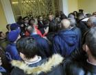 Οργή λαού! Ένταση στη Μονή Πετράκη για το νέο Μητροπολίτη Μάνης