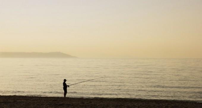 Ψάρεψε αρχαίο αμφορέα