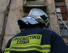 Φωτιά σε εγκαταλελειμμένο κτίριο στον Πειραιά