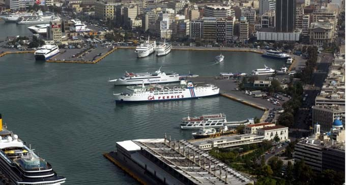 Τραυματισμός εργάτη στο λιμάνι του Πειραιά