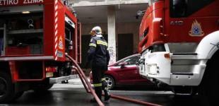 Φωτιά σε ακατοίκητο κτίριο στον Πειραιά