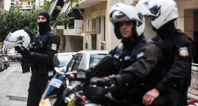 Τρομοδέμα στον Παπαδήμο: Η Αντιτρομοκρατική συνέλαβε 14 άτομα