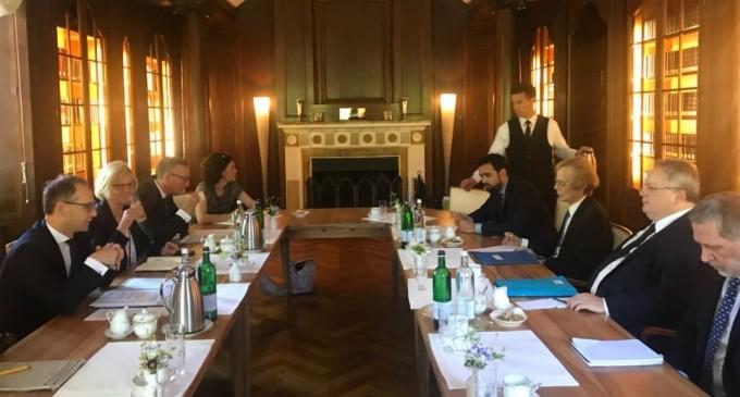 Γερμανός ΥΠΕΞ για Σκοπιανό: Επιδράσαμε εξισορροπητικά – Κοτζιάς: Η συμφωνία έγινε