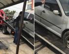 ΙΧ έπεσε σε στάση λεωφορείου – Ενας νεκρός, 3 τραυματίες