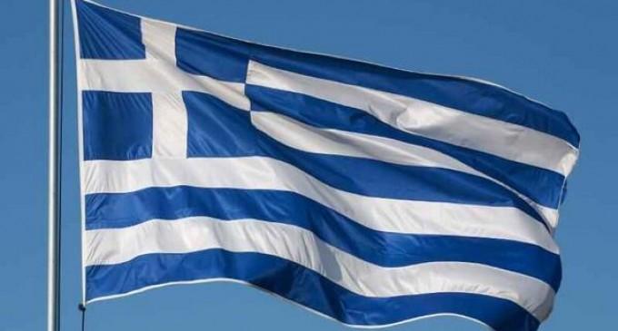 Τη μεγαλύτερη ελληνική σημαία ύψωσαν στην Αλεξανδρούπολη -600 τ.μ.(βίντεο)