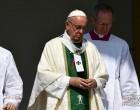 Ο Πάπας παραδέχεται για πρώτη φορά την κουλτούρα συγκάλυψης των βιασμών παιδιών στην Καθολική Εκκλησία