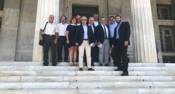 Ολοκληρώθηκαν οι συναντήσεις στη Βουλή  της πρωτοβουλίας των Δημάρχων ενάντια στους πλειστηριασμούς