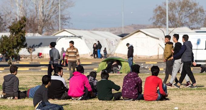 Εισαγγελέας Πρωτοδικών Πειραιά: Μη δόκιμη χρήση του όρου «λαθρομετανάστης» – Το έγγραφο προς τους Διευθυντές των σχολείων της πόλης