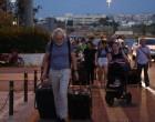 Το αδιαχώρητο στο λιμάνι του Πειραιά -Μαζική επιστροφή εκδρομέων