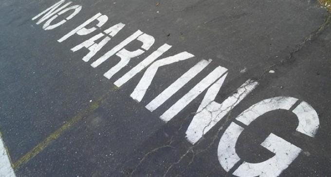 «Εξυπνο» πάρκινγκ σε 20 δήμους -Πλατφόρμα θα ενημερώνει πού υπάρχουν κενές θέσεις