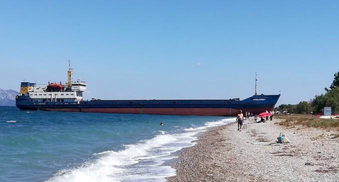 Πλοίο βγήκε στη στεριά στην Εύβοια -Μεθυσμένος ο πλοίαρχος