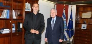 Συνάντηση Δημάρχου Πειραιά Γ.Μώραλη με τον Υπουργό Ναυτιλίας και Νησιώτικης Πολιτικής Φ.Κουβέλη