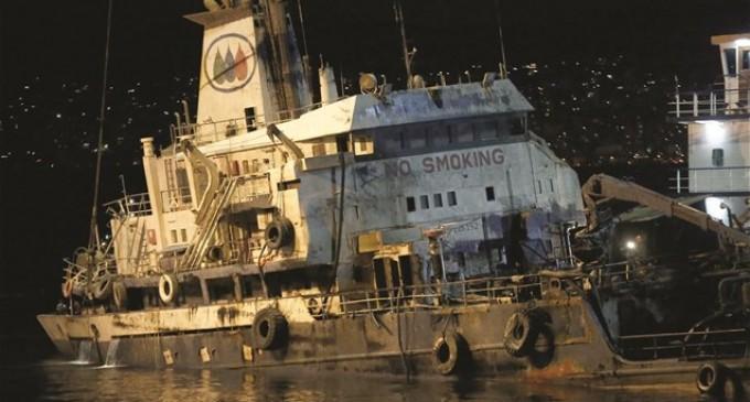 Αποζημιώσεις και στους δήμους για το ναυάγιο του «Αγία Ζώνη ΙΙ»