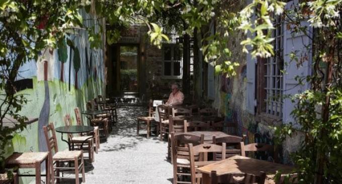Μυτιλήνη: Έκλεψε βαλίτσα και έπεσε στη θάλασσα να σωθεί