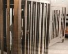 ΕΙΚΟΝΕΣ ΣΟΚ στα Λεχαινά: Παιδιά με αναπηρία ζούνε σε κλουβιά! – «Πάγωσε» η Ελλάδα με το ρεπορτάζ του BBC