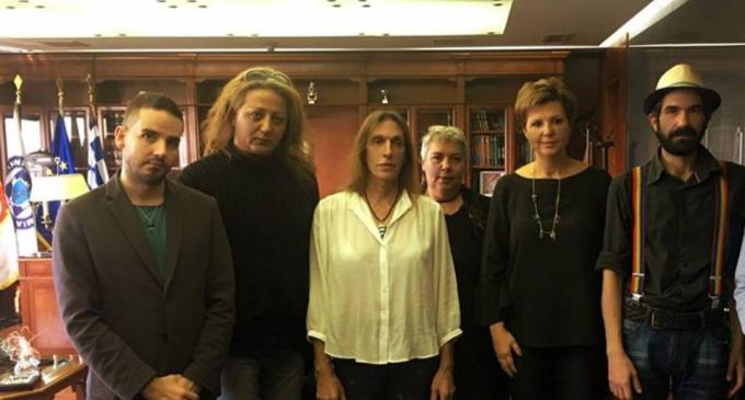 Με την Όλγα Γεροβασίλη συναντήθηκαν εκπρόσωποι των ΛΟΑΤΚΙ