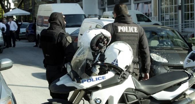 Απίστευτο περιστατικό: Ιερέας χαστούκισε και δάγκωσε αστυνομικούς