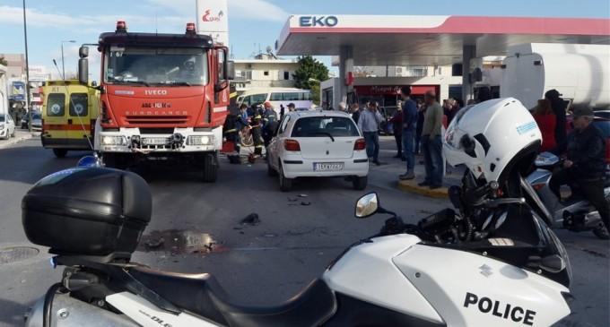 Σοβαρό τροχαίο με μοτοσικλετιστή – «Σφηνώθηκε» κάτω από αυτοκίνητο