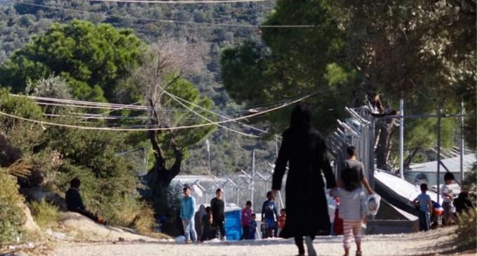 Die Zeit: Χιλιάδες μετανάστες, κυρίως Αλβανοί, επιστρέφουν από την Ελλάδα στην πατρίδα τους