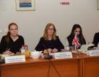 H Μόνιμη Υποδιευθύντρια του Βρετανικού Υπουργείου Εσωτερικών στο Αρχηγείο του Λιμενικού