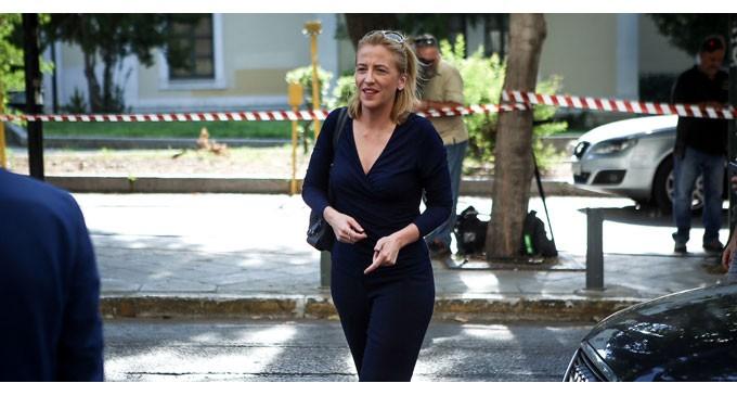 Ξεκαθαρίζει η ΡΕΝΑ ΔΟΥΡΟΥ για τη Μάνδρα: Η απόφαση τα λέει όλα!