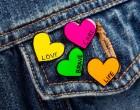 Μπλουζάκια και κονκάρδες υπέρ της καταπολέμησης των καρδιαγγειακών παθήσεων