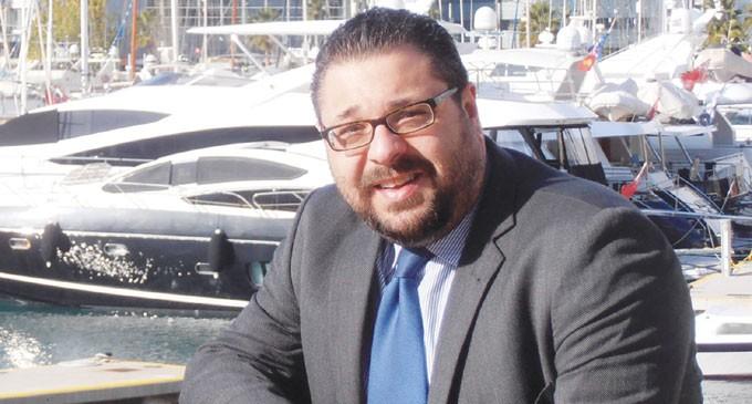Μιλτιάδης-Παναγιώτης Κλαπαδάκης – Υποψήφιος δημοτικός σύμβουλος Πειραιά με τον Συνδυασμό «ΠΕΙΡΑΙΑΣ ΝΙΚΗΤΗΣ» του Γιάννη Μώραλη  Για έναν Πειραιά Νικητή!