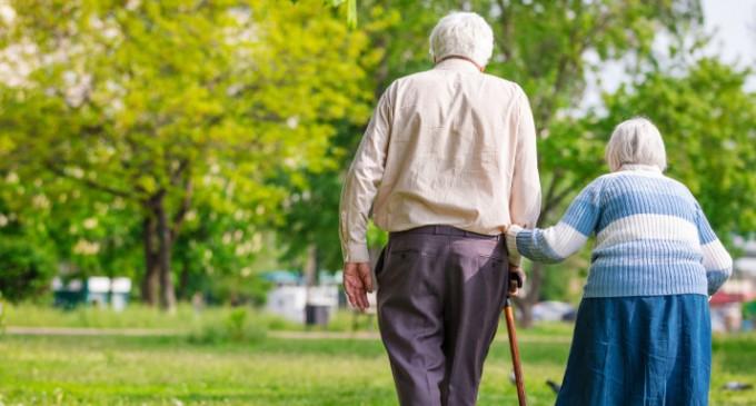 Επιστήμονες κατάφεραν να «ξυπνήσουν» πρόσκαιρα τη μνήμη ηλικιωμένων με Αλτσχάιμερ