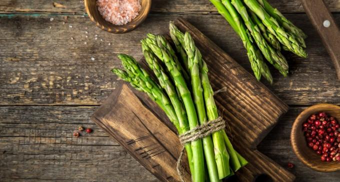 10 τροφές που θα σε βοηθήσουν να χάσεις πιο εύκολα βάρος, σύμφωνα με τους διατροφολόγους
