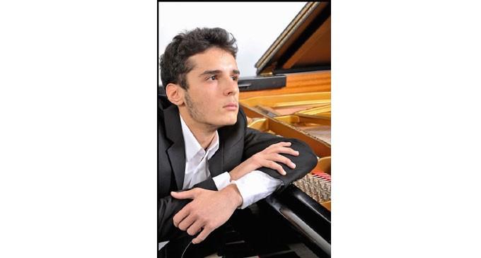 «Το piano στα forte του» στον Πειραϊκό Σύνδεσμο