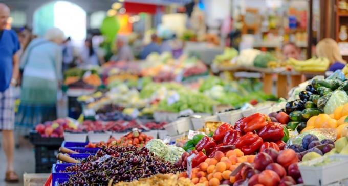 Σούπερ μάρκετ: Αμεση μείωση τιμών υποσχέθηκαν οι εταιρείες