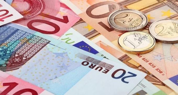 Συντάξεις Ιουνίου και Επιδόματα: Μπαράζ πληρωμών εν μέσω εκλογών