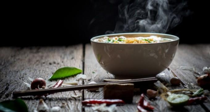 Το γιατροσόφι που ανακουφίζει τον καμένο ουρανίσκο μετά από ζεστό φαγητό ή καυτό ρόφημα