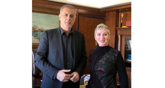 Άρτεμις Πινακουλάκη – Λεούση – Υποψήφια δημοτική σύμβουλος Πειραιά με το συνδυασμό ΠΕΙΡΑΙΑΣ-ΝΙΚΗΤΗΣ του Γιάννη Μώραλη: Μαζί για μια όμορφη πόλη, με ανάπτυξη και δουλειές για όλους!
