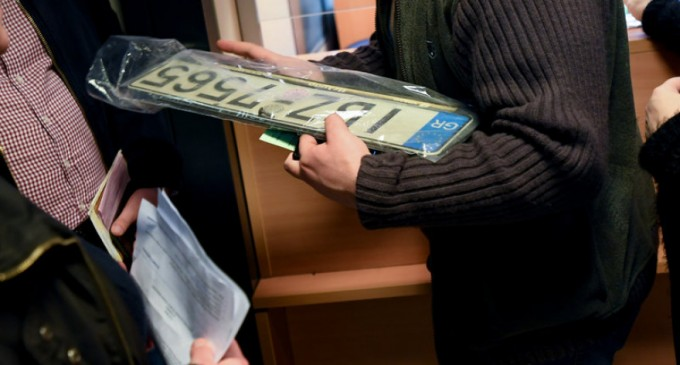 Δήμος Αθηναίων: Επιστροφή πινακίδων για τις εκλογές