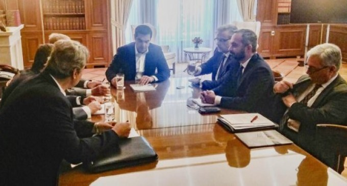 Με υπογραφή Τσίπρα το Ωνάσειο εξαγοράζει το Ερρίκος Ντυνάν