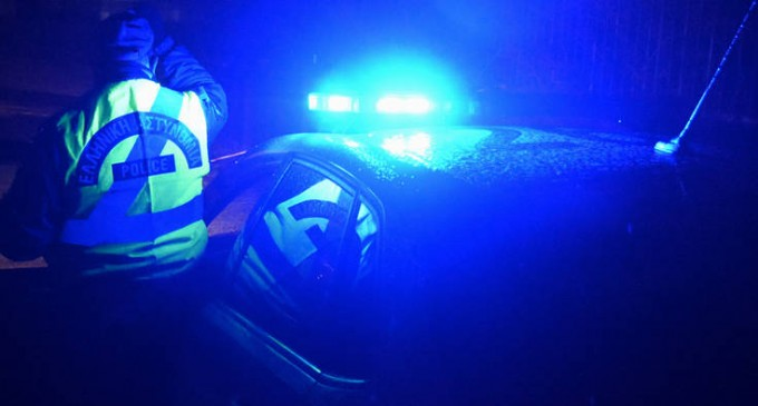 Νέα Σμύρνη: Με εισβολή αστυνομικών έληξε το θρίλερ με τον 35χρονο που απειλούσε να αυτοκτονήσει
