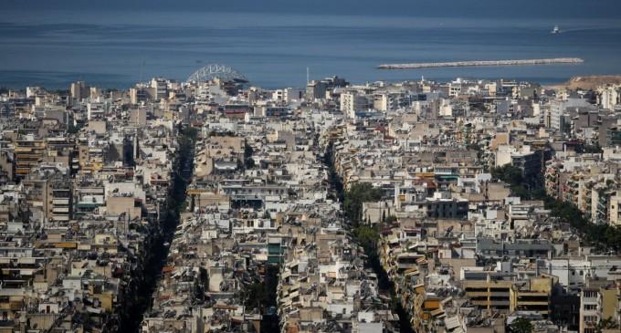 Οι οφειλέτες παραδίδουν τα σπίτια τους προς πώληση στις εταιρείες διαχείρισης
