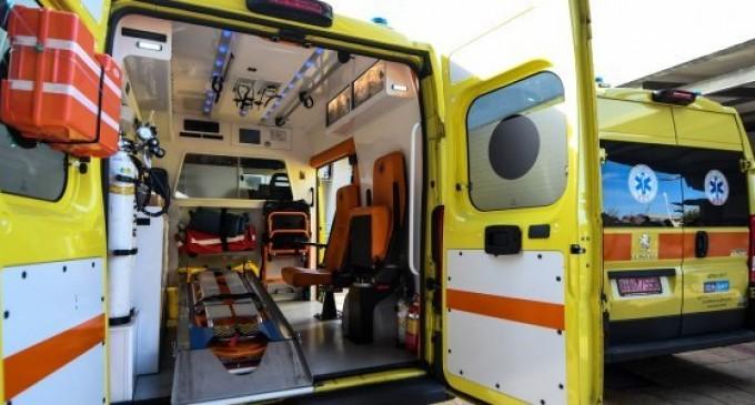 Ασθενοφόρο έμεινε στην Κατεχάκη ενώ μετέφερε ασθενή