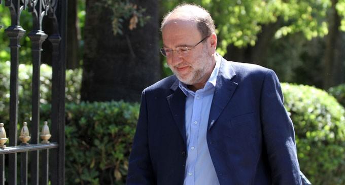 Συγκλονίζει ο βουλευτής Β Πειραιά Τρ. Αλεξιάδης: «Η λιποθυμία μου αποκάλυψε όγκο στον εγκέφαλο»