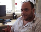 Τι κάνει ο Φάνης Λαμπρόπουλος στον Πειραιά; (φωτο)