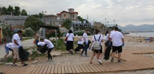 Καθαρισμός στα Βοτσαλάκια από εθελοντές της «KFC»
