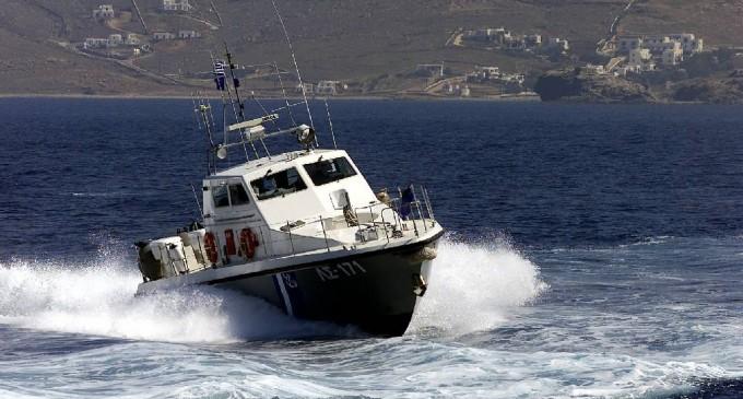 Εντοπίστηκε το ιστιοφόρο σκάφος με τους 80 περίπου μετανάστες στα βορειοανατολικά των Αντικυθήρων