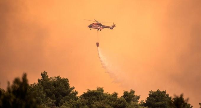 Εκτός ελέγχου η φωτιά στην Εύβοια – Εκκενώθηκαν τέσσερα χωριά