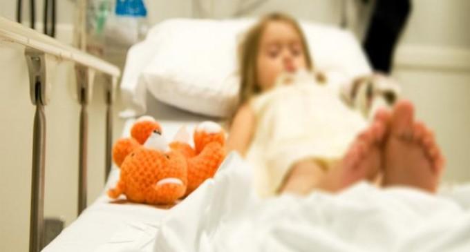 Πατέρας 8χρονης Αλεξίας: Πέντε μήνες το παιδάκι μου είναι καθηλωμένο στο κρεβάτι